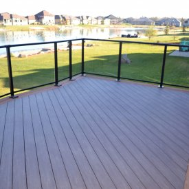 Composite Deck with Glass Railings – Timelapse